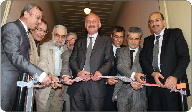 http://gsf.fatihsultan.edu.tr/resimler/upload/Guzel-Sanatlar-Fakultesi-Ogrencileri-Ilk-Sergilerini-Actilar-1-110612.jpg