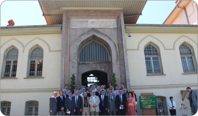 http://gsf.fatihsultan.edu.tr/resimler/upload/Guzel-Sanatlar-Fakultesi-Ogrencileri-Ilk-Sergilerini-Actilar-12-110612.jpg