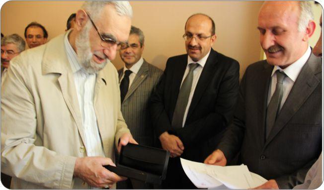 http://gsf.fatihsultan.edu.tr/resimler/upload/Guzel-Sanatlar-Fakultesi-Ogrencileri-Ilk-Sergilerini-Actilar-2-110612.jpg