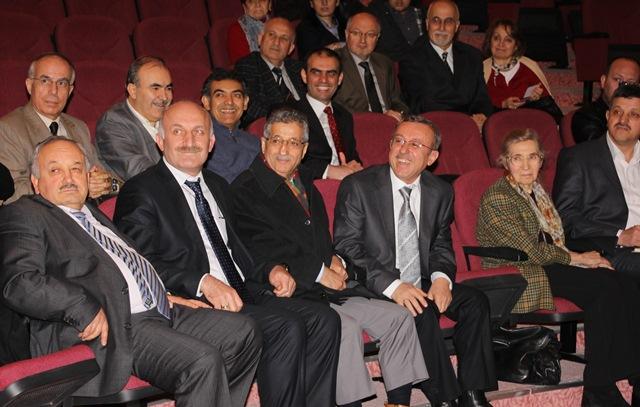 http://gsf.fatihsultan.edu.tr/resimler/upload/Prof-Dr-Ali-Alparslan-i-Anma-Toplantisi-Yapildi-15-280113.jpg