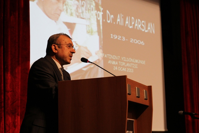 http://gsf.fatihsultan.edu.tr/resimler/upload/Prof-Dr-Ali-Alparslan-i-Anma-Toplantisi-Yapildi-3-280113.jpg