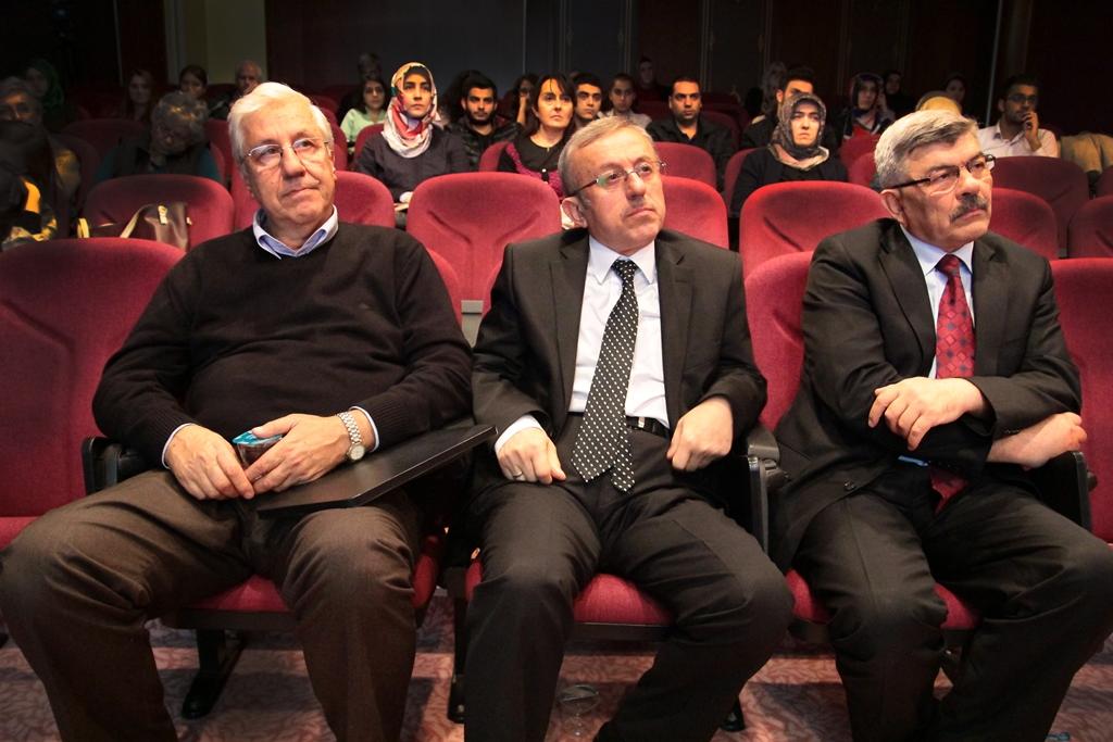 http://gsf.fatihsultan.edu.tr/resimler/upload/Sinan-in-Suleymaniye-sinde-Akustik-Duzen-Konferansi-Gerceklestirildi-2311014.jpg