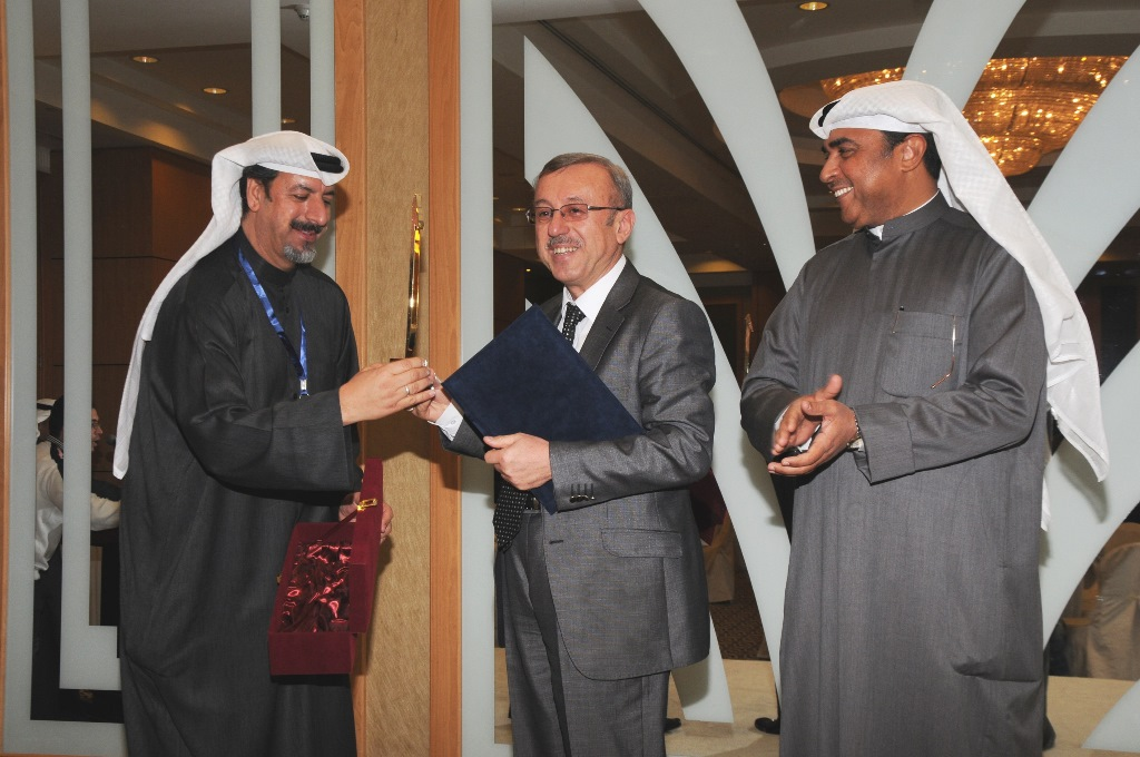 http://gsf.fatihsultan.edu.tr/resimler/upload/Universitemiz-Kuveyt-te-Islam-Sanatlari-Festivaline-Katildi-7040614.jpg
