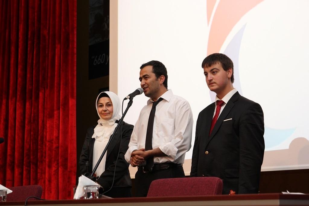 http://gsf.fatihsultan.edu.tr/resimler/upload/Yil-Sonu-Sergisi-Prof-Dr-Oktay-Aslanapa-Anisina-13120613.jpg