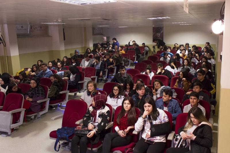 http://gsf.fatihsultan.edu.tr/resimler/upload/_MG_1045k2019-03-22-01-48-36pm.jpg